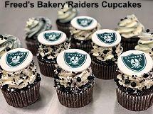 Freed's Bakery Raiders Cupcakes